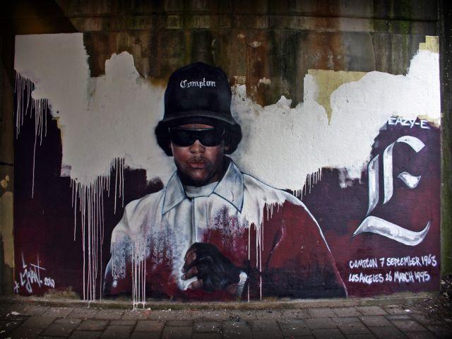 Grafiti zu gedenken Eazy-Es von Straßenkünstler Ljvant in Leeuwarde (NL).